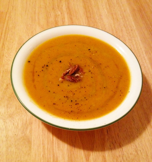 Maple ginger acorn squash soup